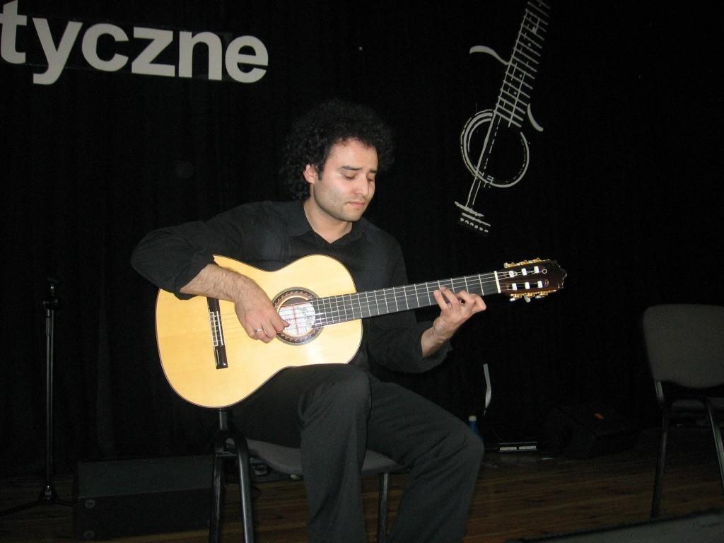 Carlos Ramirez z gitarą