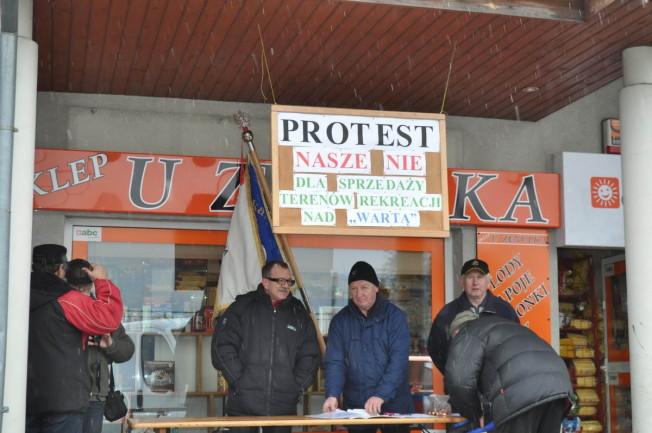 Protest przeciwko sprzedaży terenów rekreacji nad Wartą
