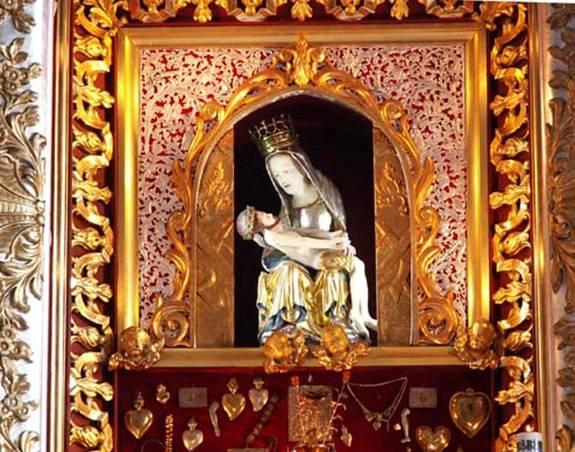 Sanktuarium w Oborach - matka Boska i Jezus Chrystus