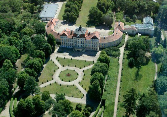 Pałac w Rogalinie - widok z lotu ptaka