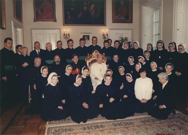 Spotkanie Jana Pawła II z pracownikami sekretariatu Prymasa
