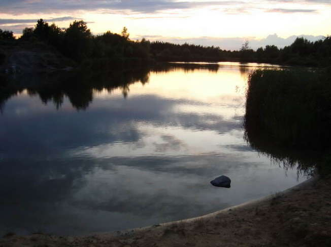 Glinianki o zachodzie słońca