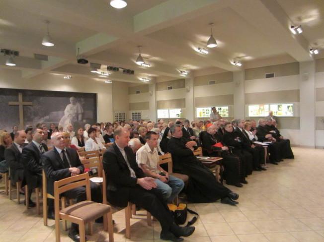 spotkanie z Kardynałem Marianem Jaworskim - widzowie