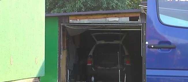 uszkodzony garaż, eksplozja w Mosinie