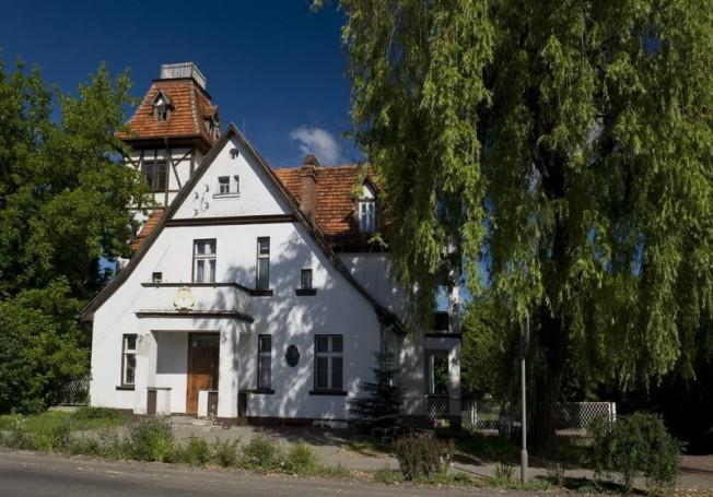 Budynek - była szkoła katolicka w Mosinie (Kogutek - Kokotek)