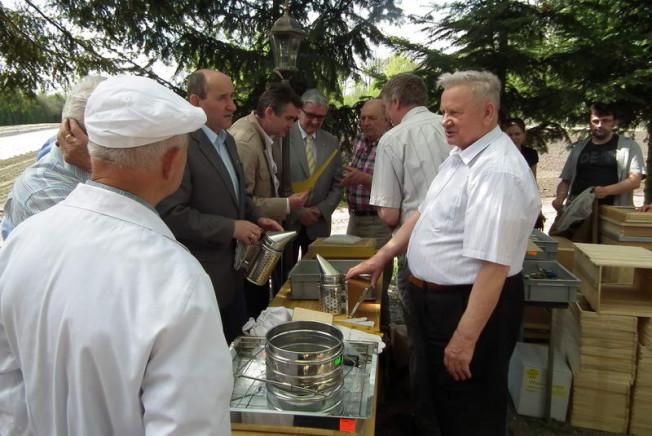 pszczelarze i Aleksander Falbierski