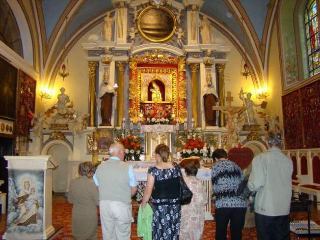 Sanktuarium w Oborach - widok wewnątrz