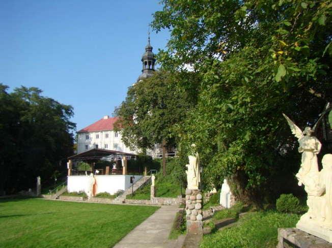 Sanktuarium w Oborach - widok z zewnątrz
