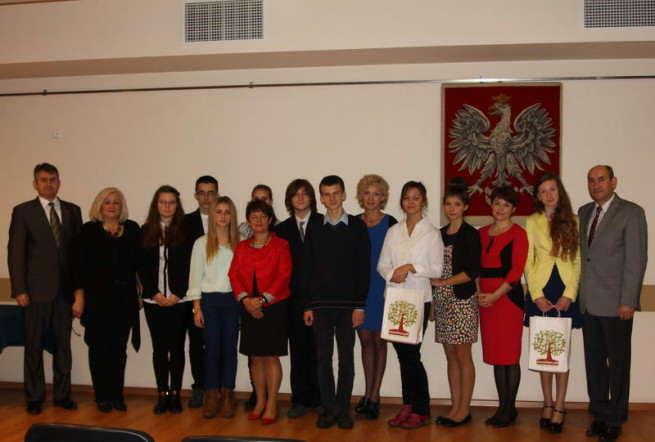 Stypendia i nagrody - zdjęcie grupwe