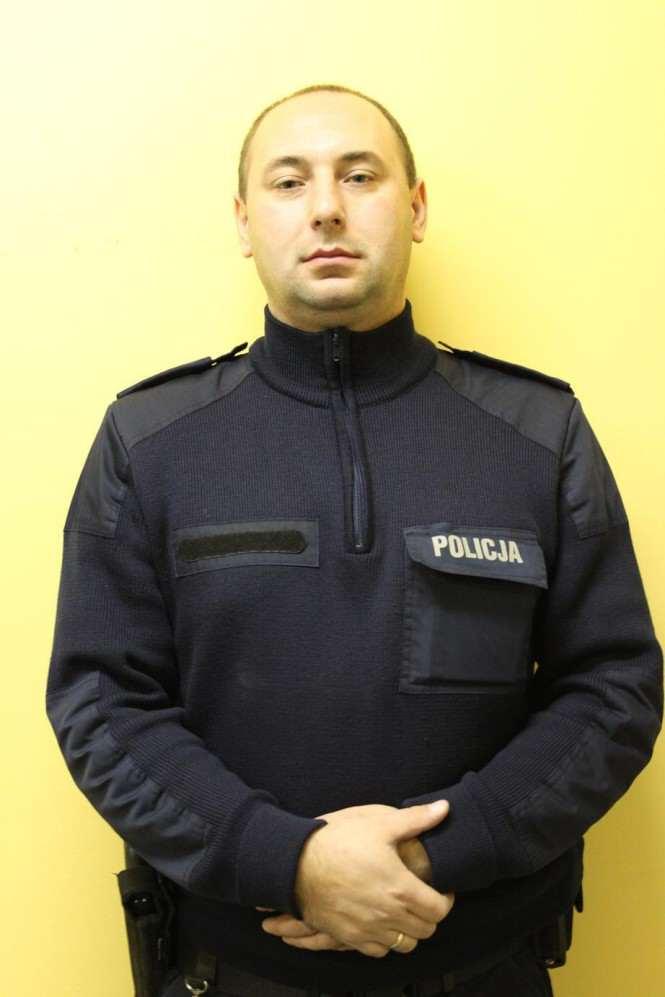 mł. asp. Leszek Wojtkowiak, tel: 519 064 577