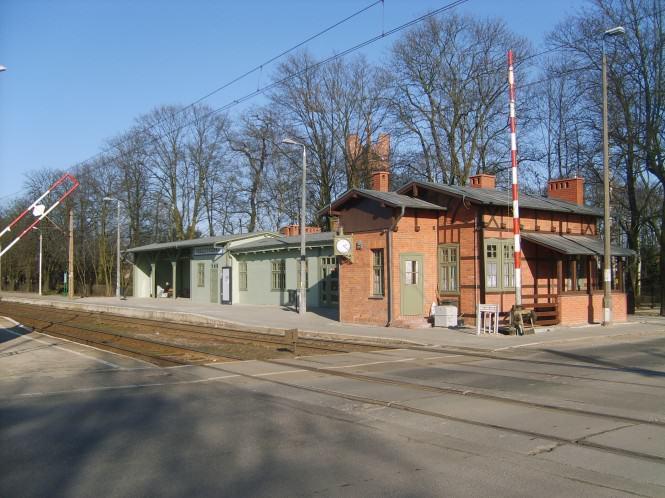 Stacja w Puszczykówku fot. Maciej Krzyżański