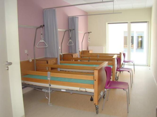 Oddział szpitalny - łóżka, wyposażenie