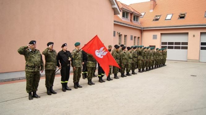 """Oddział Mosińsko-Puszczykowski Związku Strzeleckiego """"Strzelec"""" - musztra"""