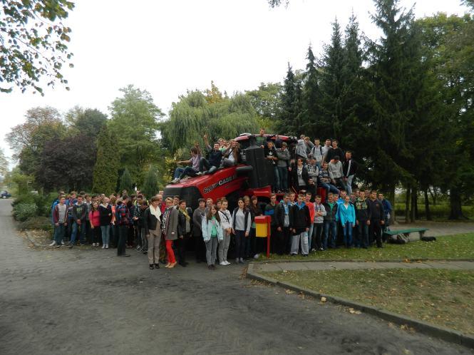Festyn w Grzybnie ciągnik gąsienicowy CASE 620AFS QUADTRAC