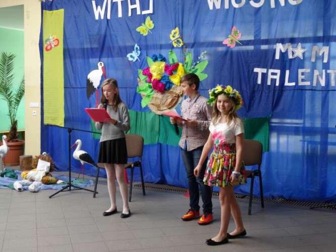 powitanie wiosny w Zespole Szkół w Krośnie
