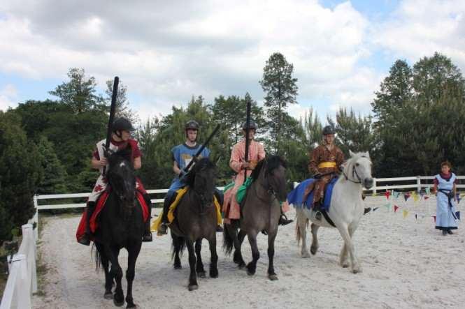 Dzień dziecka w Baranówku - na koniach