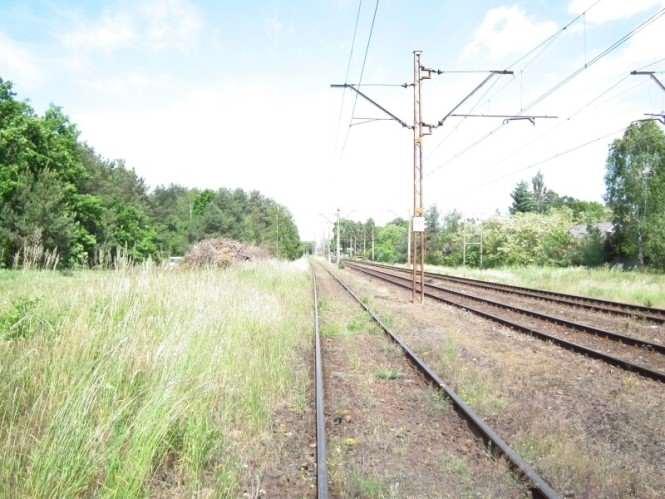 Niechciany maszt komunikacyjny - tory kolejowe