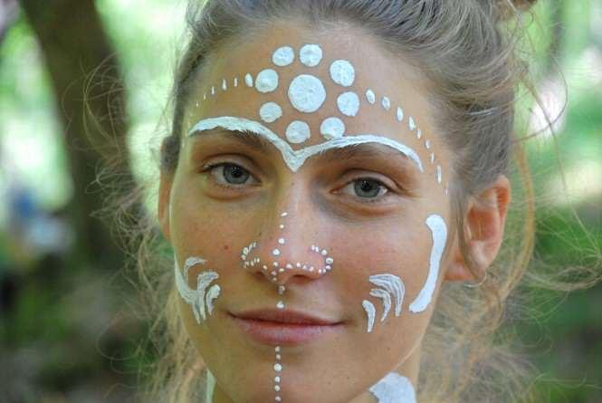 body painting - pomalowana twarz kobiety