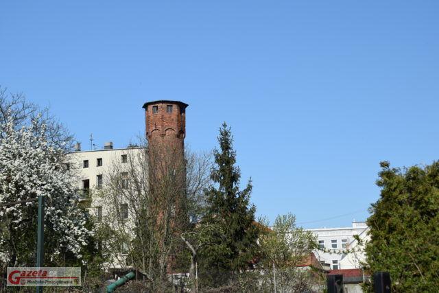 kamienica z wieżyczką - wieża ciśnień