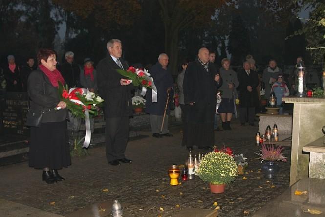 76. rocznica rozstrzelania 15 Obywateli Mosiny i okolicznych miejscowości na Rynku w Mosinie