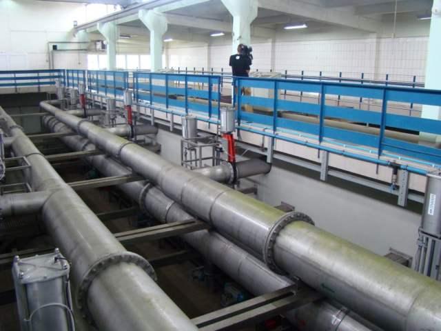 Stacja uzdatniania wody w Mosinie w budynku