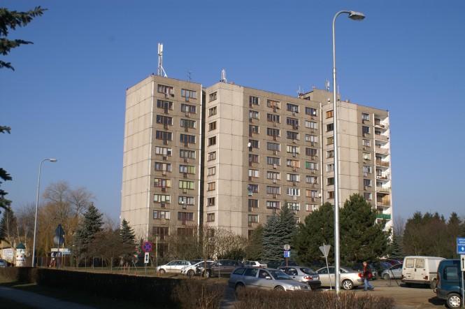 blok przy szpitalu w Puszczykowie
