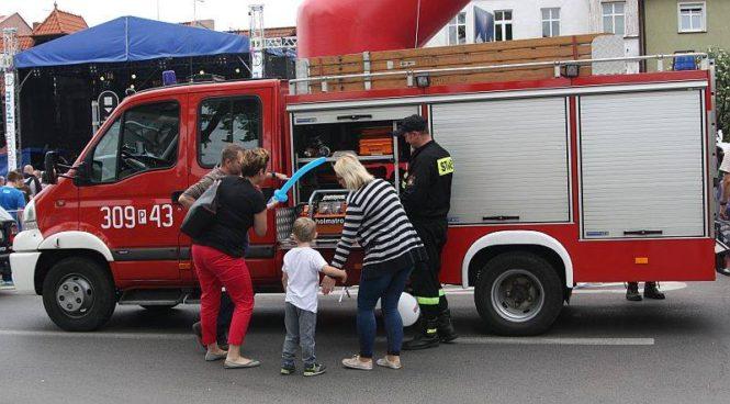 pokaz sprzętu strażackiego Dni Mosiny