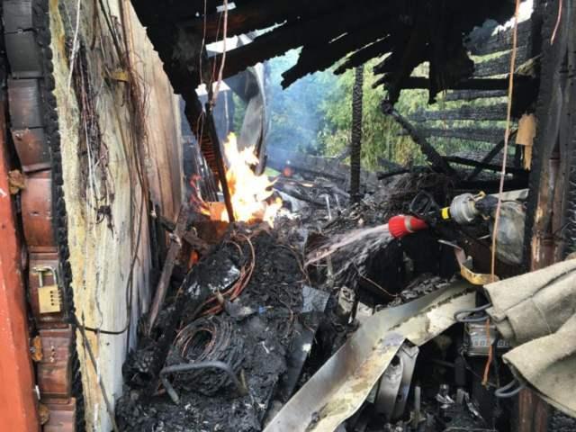 pożar domku - altany