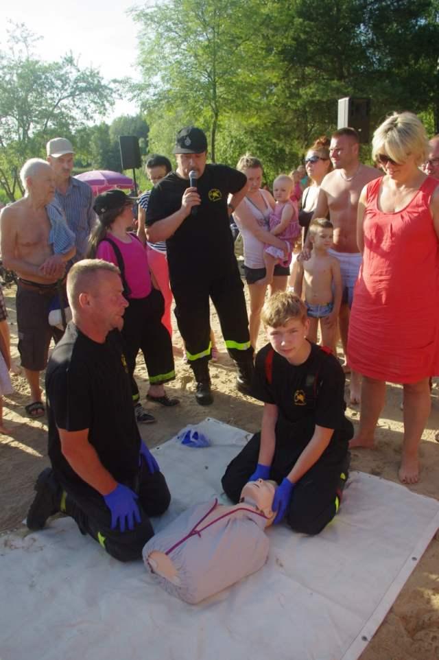Pokazy ratownictwa i udzielania pierwszej pomocy