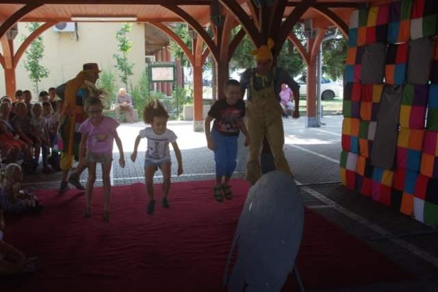 Dzieci aktywnie uczestniczyły w przedstawieniu
