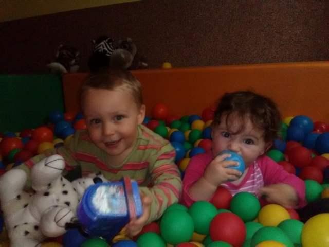 zabawa - Emilka i Tymek