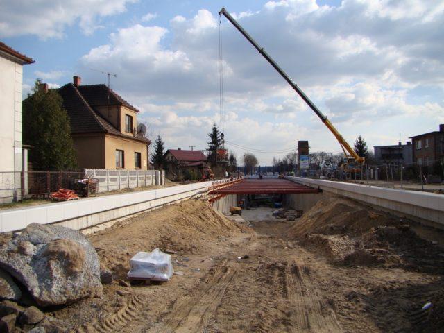 wiadukt tunel w trkacie budowy ul. Śremska Mosina