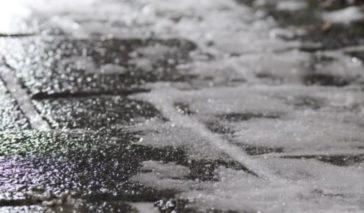 chodnik lód