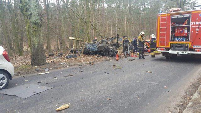 akcja ratunkowa po wypadku BMW pod Sowińcem
