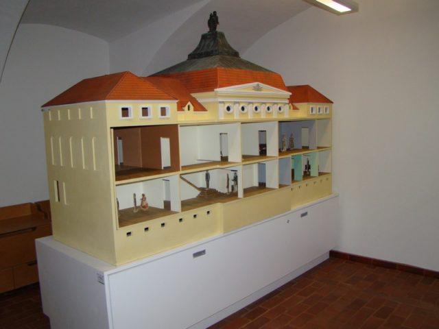 makieta pałacu w Rogalinie wykorzystywana podczas zajęć