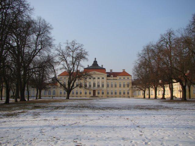 pałac w Rogalinie zimą