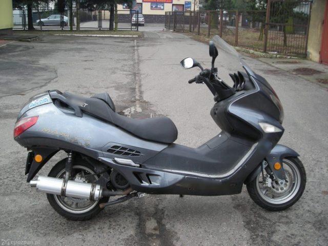 skradziony motorower - komisariat w Mosinie