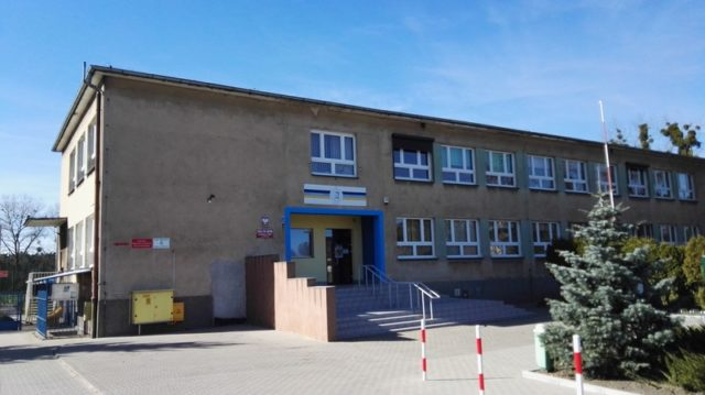 Szkoła w Czapurach