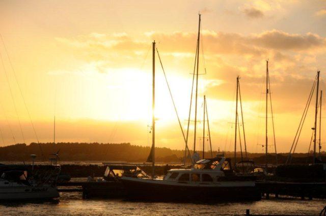 zachód słońca na przystani
