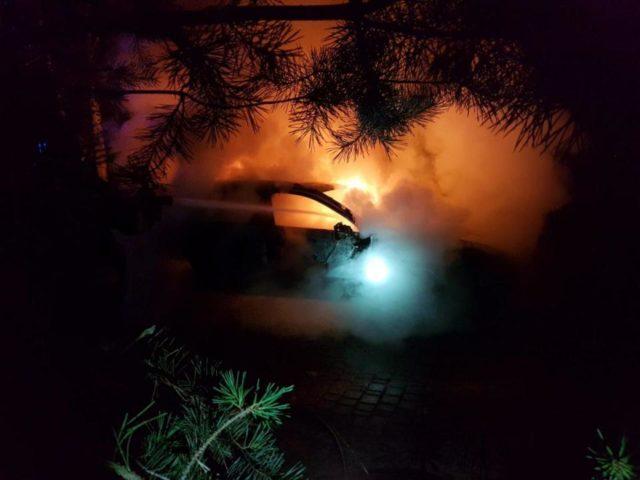 pożar samochodu w Rogalinku