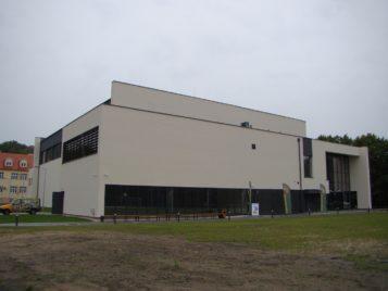 Hala widowiskowo - sportowa w Puszczykowie - budynek