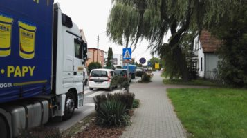 Ruch drogowy - korki Mosina