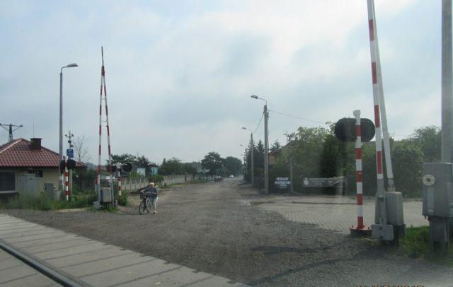 przejazd kolejowy ul. Farbiarska (fot. www.mosina.pl - z dn. 10.08.2017 r.)
