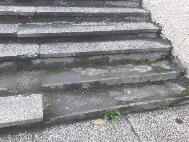 fatalny stan przejścia podziemnego przy ul. Sowinieckiej fot. Czytelnik GMP