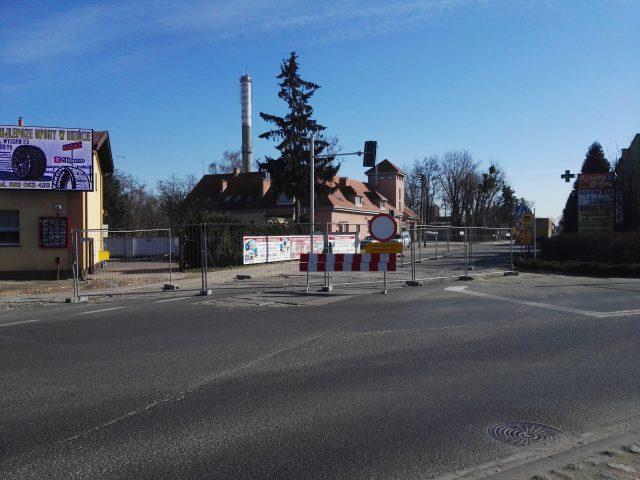 skrzyżowanie ul. Śremskiej/ Wawrzyniaka / Leszczyńskiej/ Mostowej - zamknięcie ul. Śremskiej