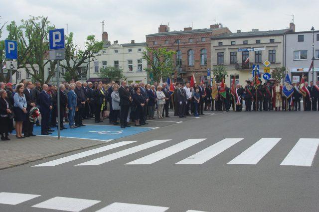 Obchody przed Urzędem Miejskim w Mosinie (plac 20 Października)
