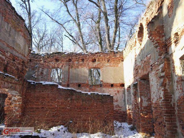 Ruiny zamku Klaudyny Potockiej na Wyspie Zamkowej