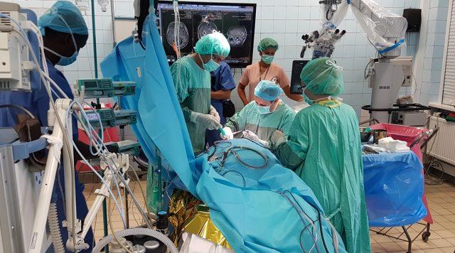 operacja - szpital w Puszczykowie