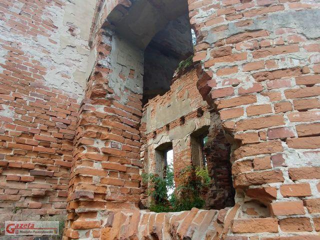 Ruiny zameczku Klaudyny Potockiej na Wyspie Zamkowej