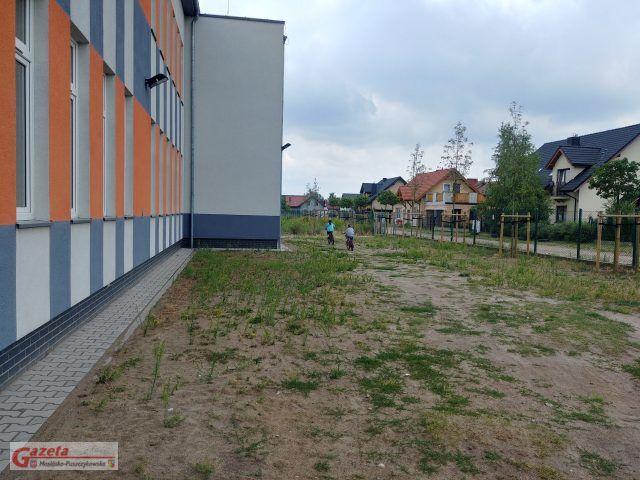 niebezpiecznie na hali sportowej na ul. Krosińskiej w Mosinie